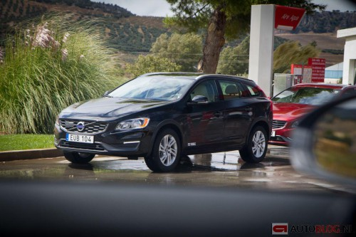 Volvo-V60-Cross-Country-spyhots-9.jpg